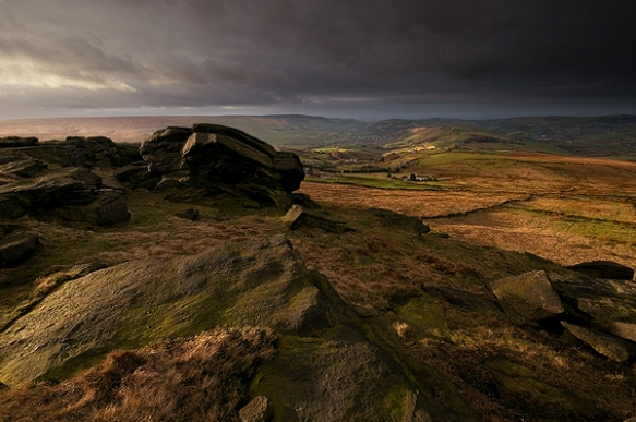 A wind blasted morning at Millstone Edge