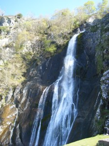 33 afon falls