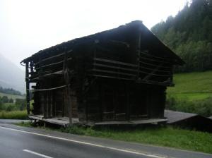 140 D4 old building