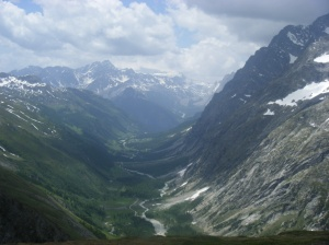 197 D5 view down to Val de Ferret